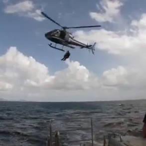 Tandem cyno en hélitreuillage maritime © Gendarmerie maritime - Tous droits réservés