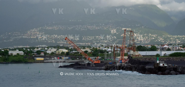 Un nouveau bateau sri-lankais entre au Port © Valérie Koch - Tous droits réservés