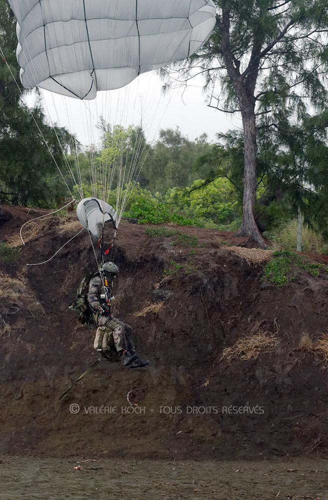 A400M et sable noir pour les chuteurs du Grand 2 © Valérie Koch - Tous droits réservés