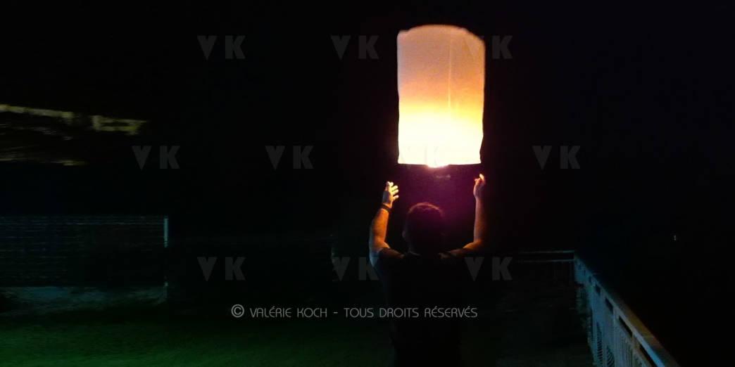 Interdiction des lanternes volantes ou pas ? © Valérie Koch - Tous droits réservés