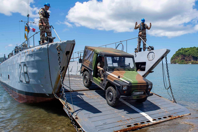Le SGTE débarque à Mayotte © Yoann Letourneau/Marine Nationale/Défense