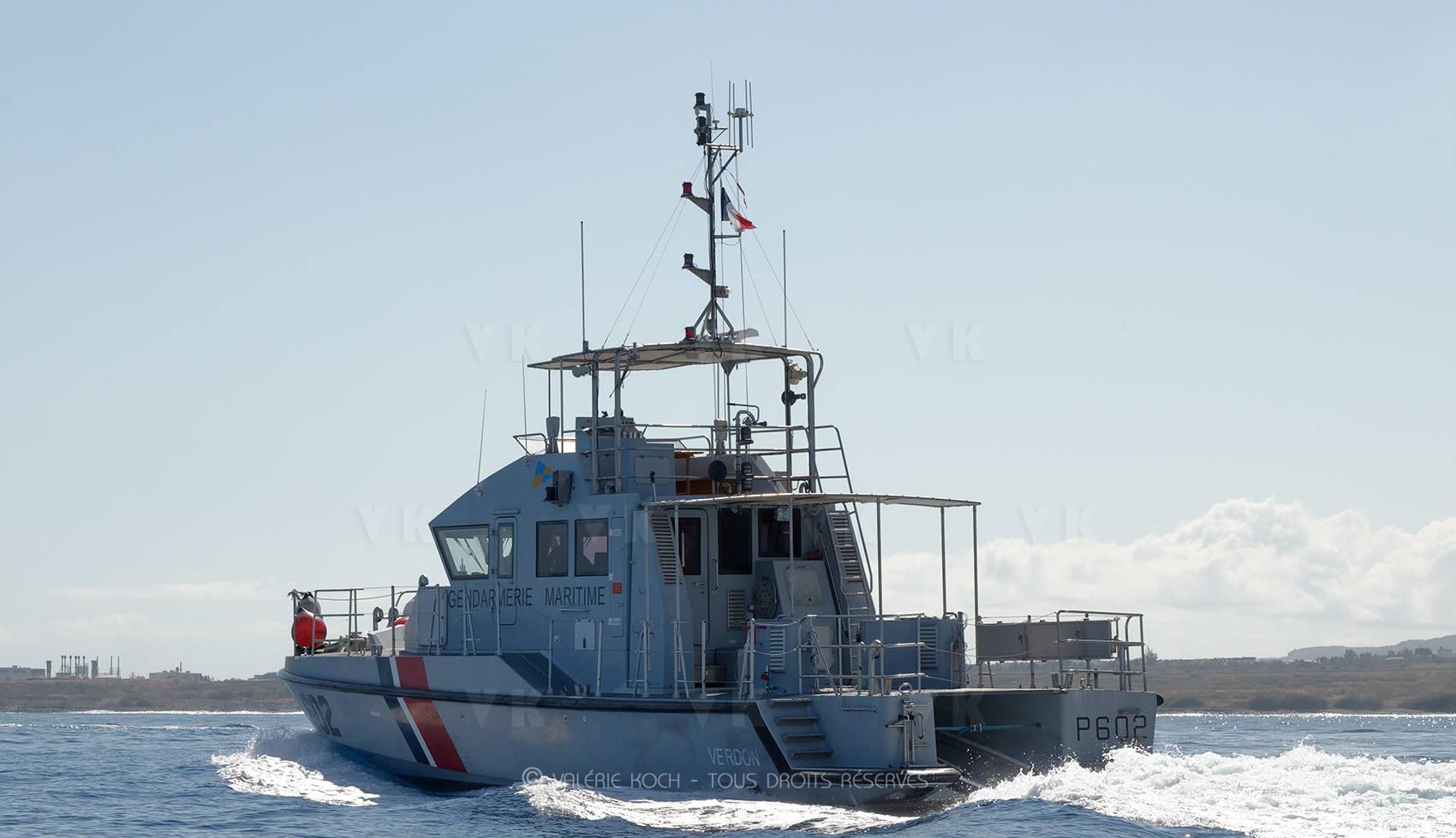 Les ateliers de la Base navale au chevet de la Verdon © Valérie Koch - Tous droits réservés