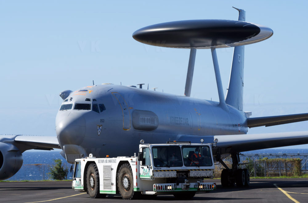 """L'E-3F AWACS """"Dogue"""" à La Réunion © Valérie Koch - Tous droits réservés"""