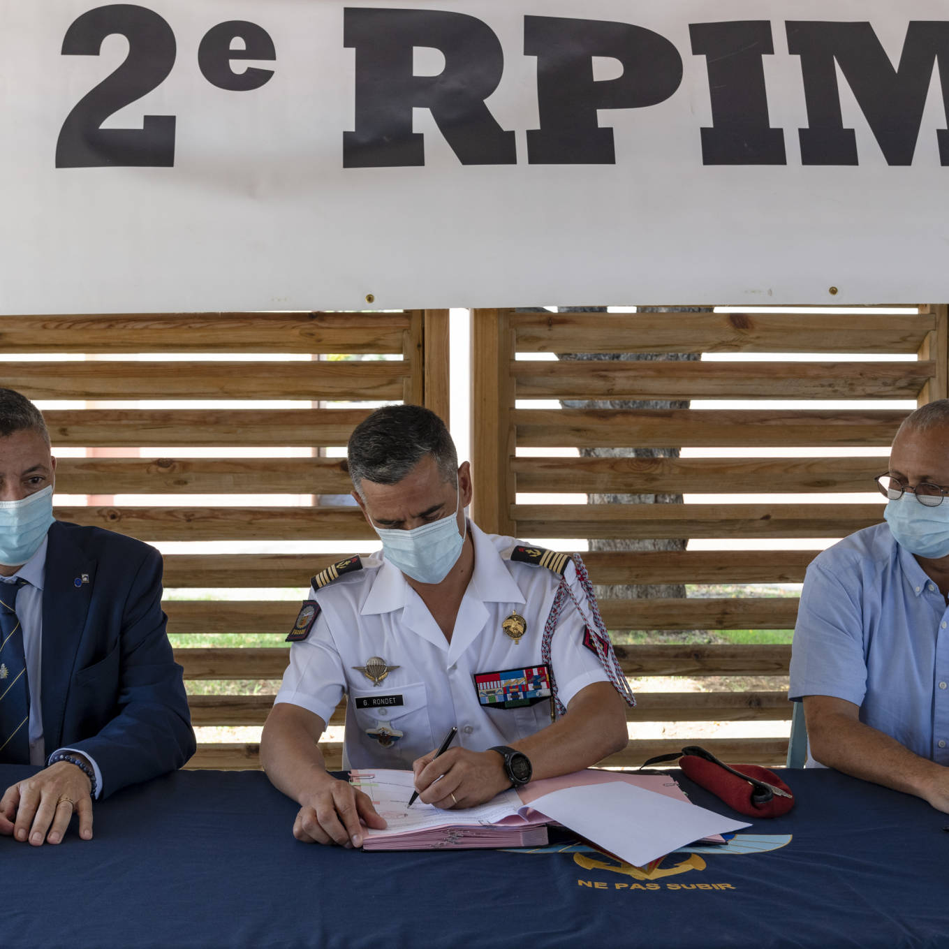 Partager les valeurs militaires avec les collégiens © CC1 Jimmy/2e RPIMa