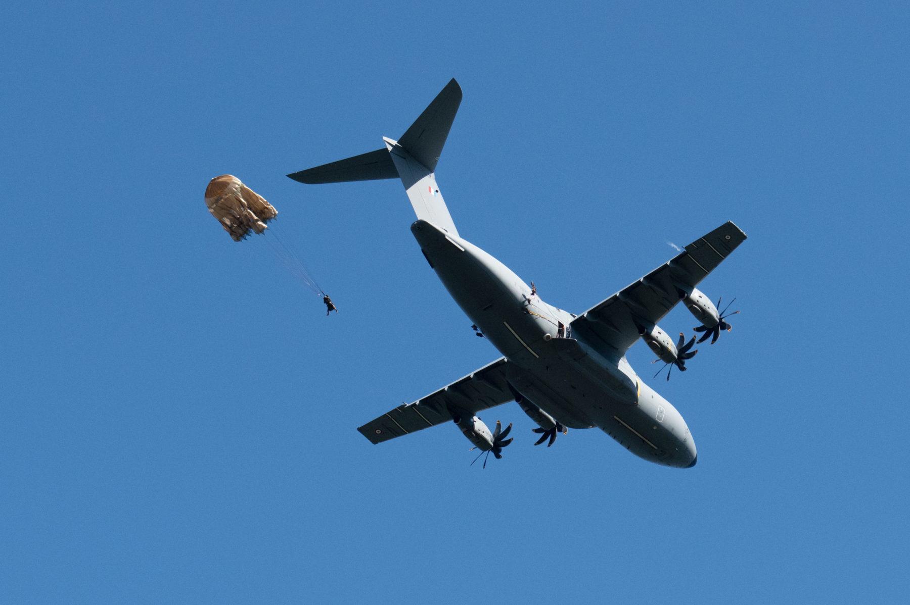 Premiers sauts OA sur A400 pour le 2e RPIMa © CC1 Jimmy/2e RPIMa